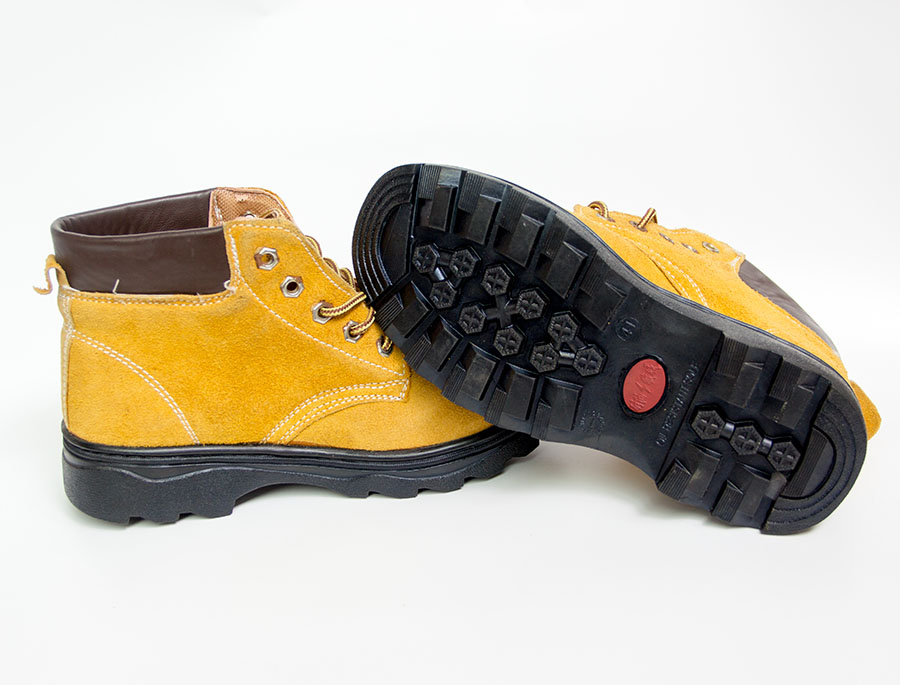 黄色高腰皮鞋